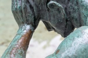 douter incertitude statue penser